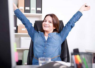 कार्यस्थल पर तनाव का कैसे मुकाबला करें