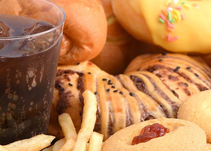 जंक फूड पर निबंध हिन्दी निबंध-Essay On Junk Food  -हिन्दी निबंध – Essay in Hindi